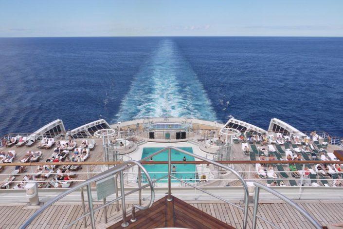 2016 08 25 Queen Mary 2 Heck von oben