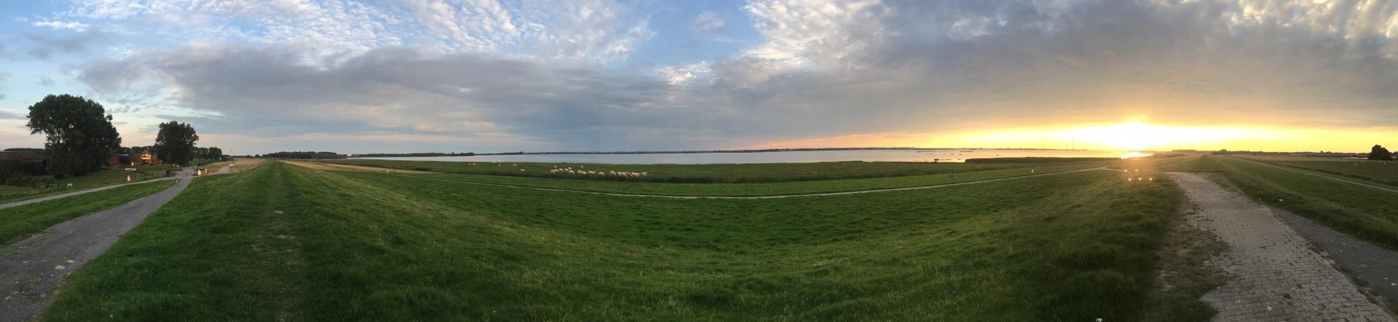 25. Juli 2016 Wedel Fährmannssand Panorama