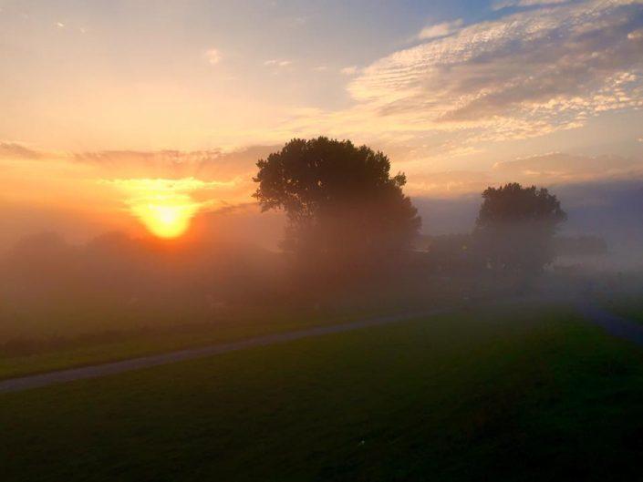 2016 08 27 Wedel Fährmannssand Sonnenaufgang Nebel