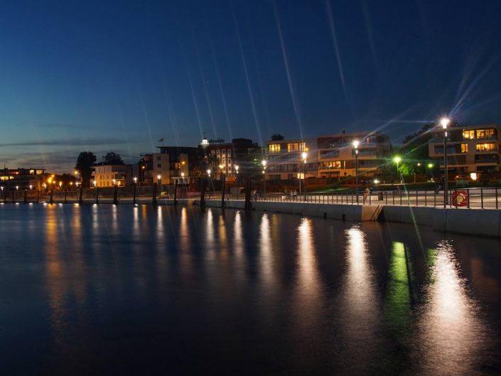 2016 08 27 Wedel Schulauer Hafen Abenddämmerung Foto von Mohamad Alzabade