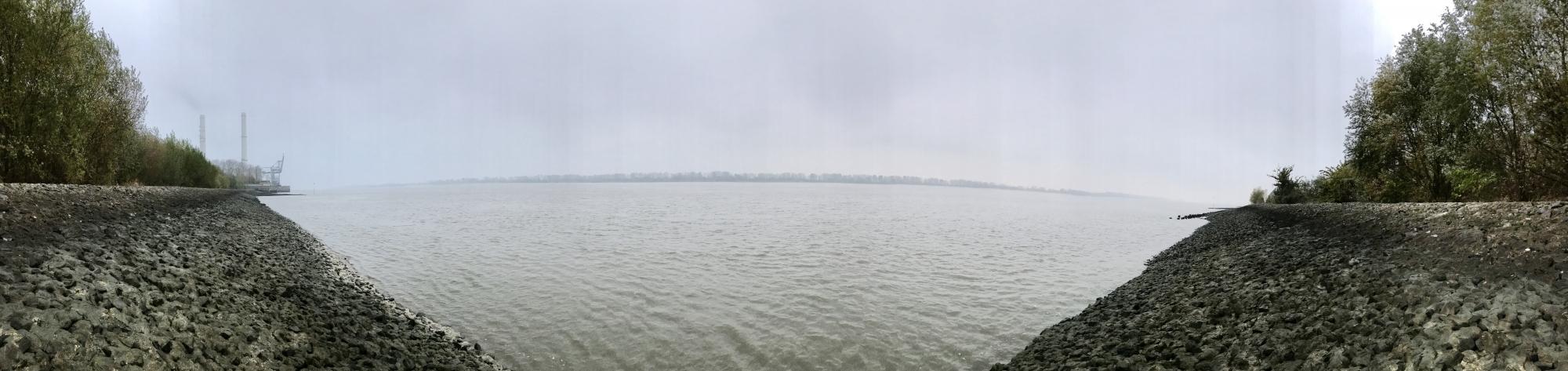 2016 11 10 Wedel Elbe Panorama