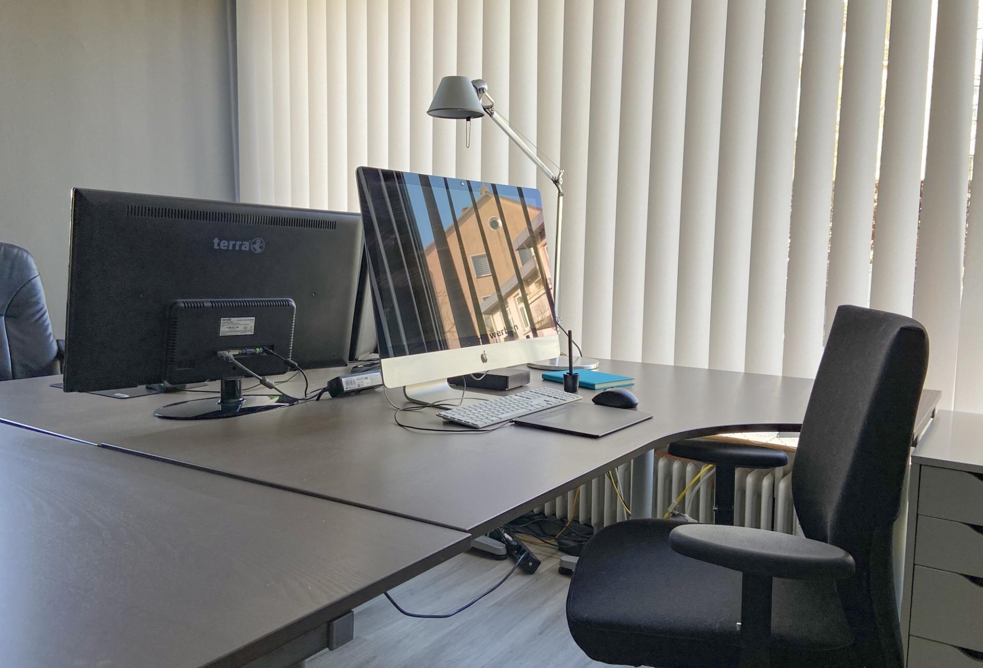 Wedel-Workspace-Flexible-Arbeitsplätze-Büro-Arbeitsplatz-fest
