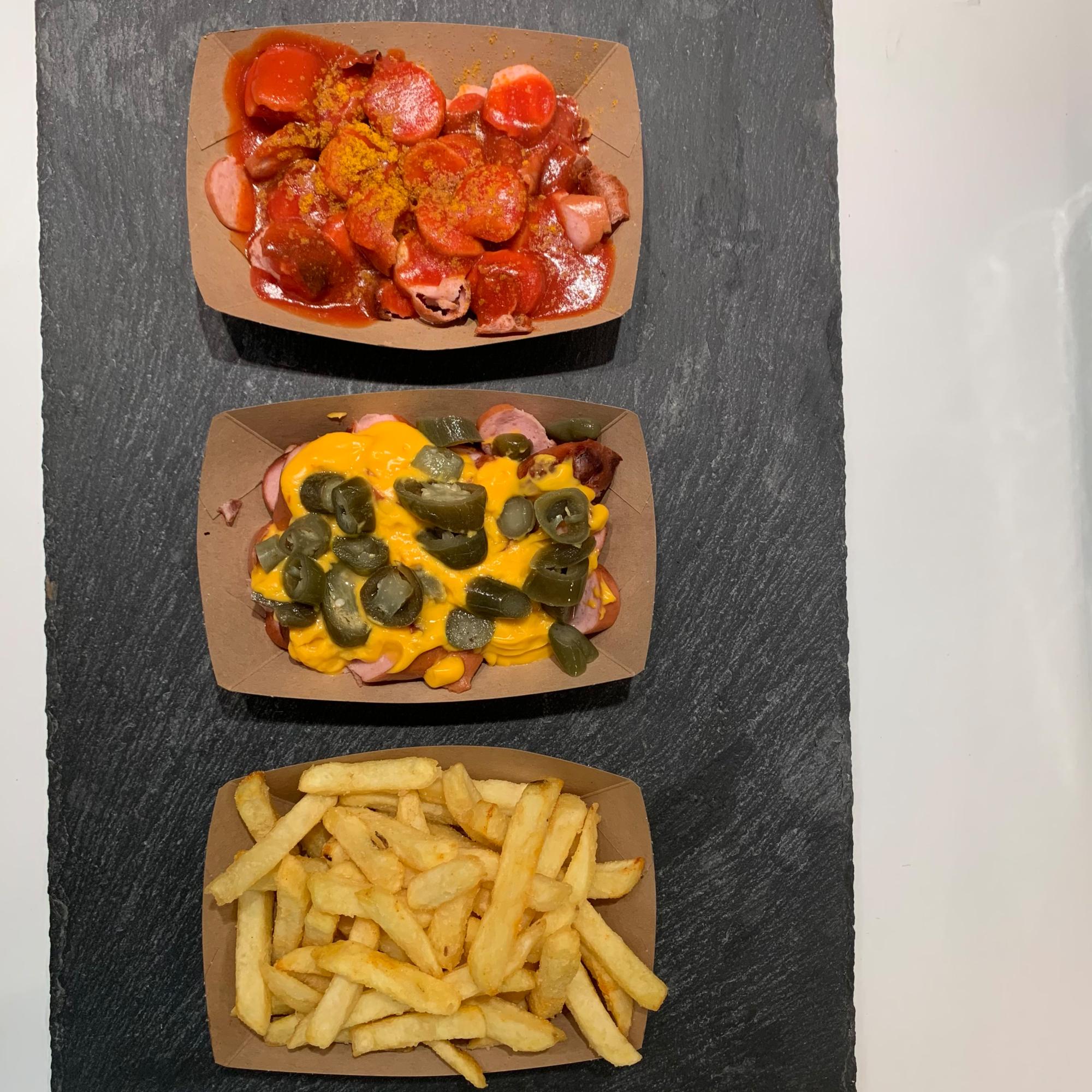 Mein-Wedel-Wurstbude-Wedel-Currywurst-Pommes-Schmalzkuchen-Krakauer-Bild-01